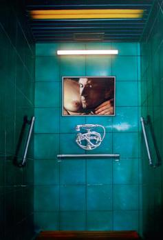 """""""Ladie's Man"""". Acrylique sur toile et néons. 210 x 150 cm."""